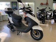 scooter-sales-nsb-bintelli-sprint-white-1